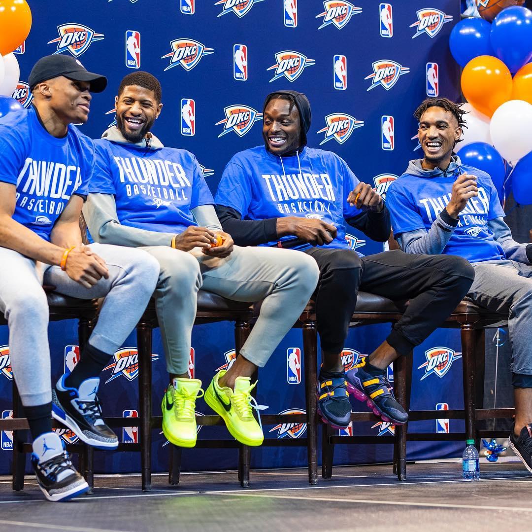 氛围融洽!雷霆众将参加季票会员派对_NBA正规十大赌博网站大全