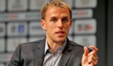 小内维尔评自己心目中下赛季曼联梦幻阵容:贝尔库鸟在列