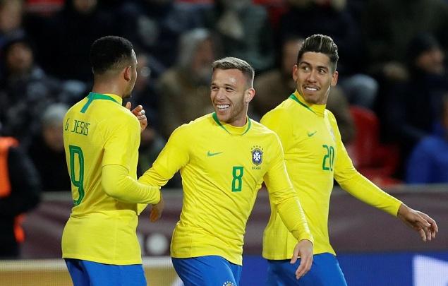 友谊赛:热苏斯替补双响菲尔米诺破门,巴西3-1逆转捷克