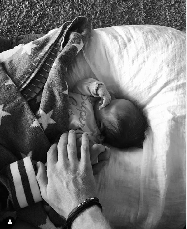 一图流:斯迎接女儿出生, 好友送祝福