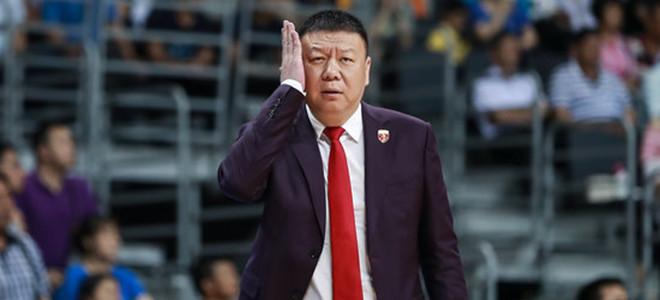 王建军:最后时刻篮板拼抢有点乱,导致了失利