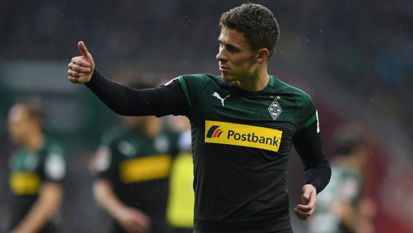 踢球者:拜仁也曾有意小阿扎尔,但多特赢得争夺战