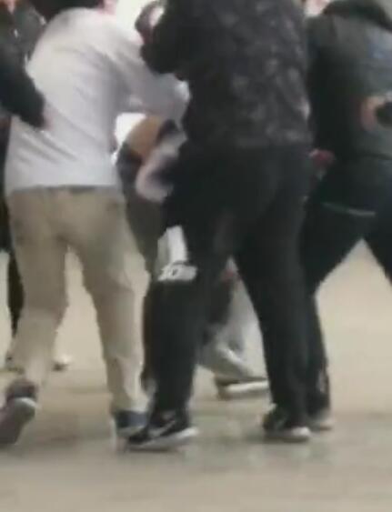 记者:天海vs华夏美满赛后推搡斗殴球迷被刑拘