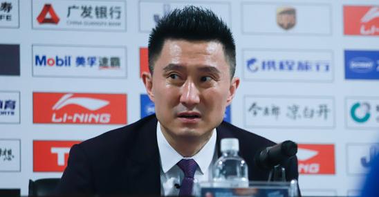 杜锋:深圳创造了历史,我们应当警醒如何在逆境中打球