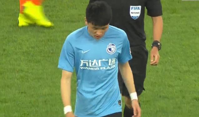 登场时间只有2分钟,一方U23杨芳志上场后再被换下