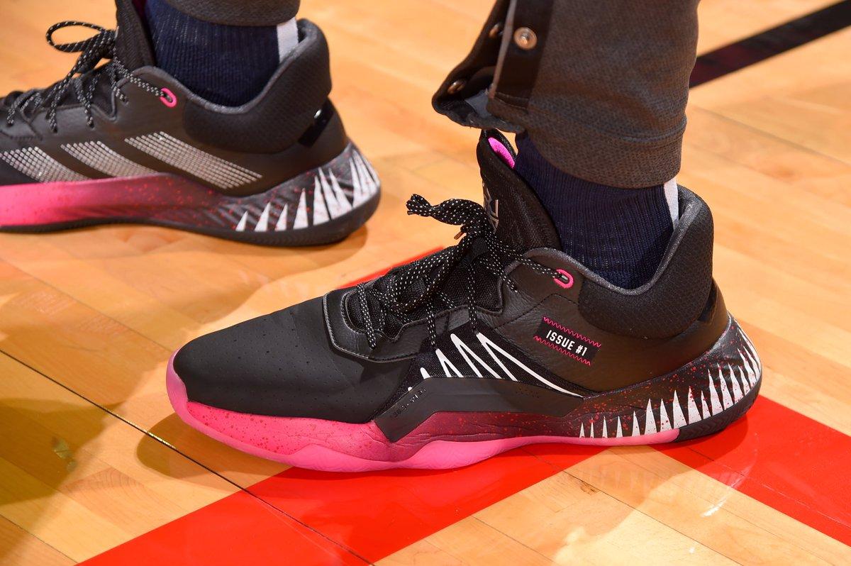今日季后赛上脚球鞋一览:米切尔上脚D.O.N.Issue #1