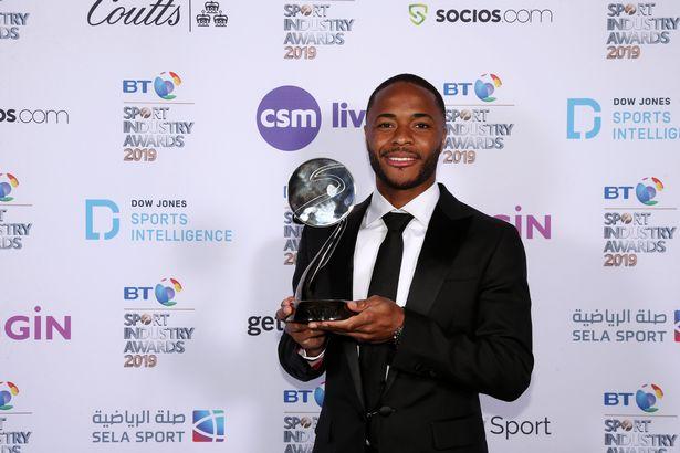 官方:斯特林被英格兰足球记者协会评为年度最佳球员