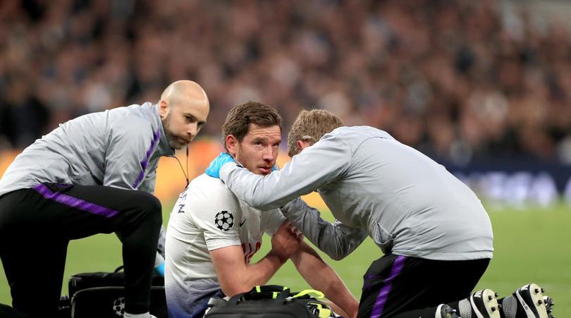 波帅:换下维尔通亨是队医的决定,他的伤应该不重