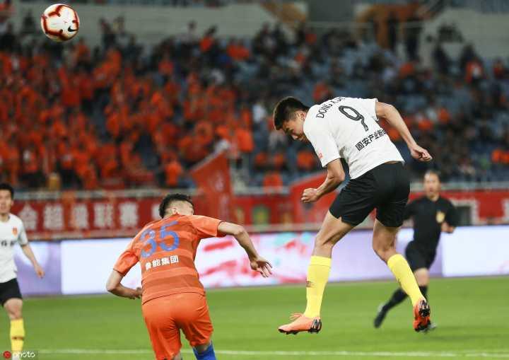 半场:佩莱梅开二度费莱尼造威胁,鲁能2-0华夏幸福