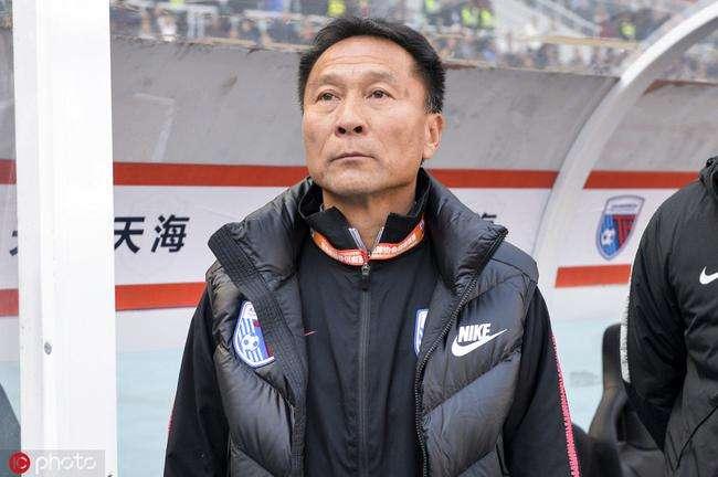 沈祥福:每场比赛都很重要,雷鸟能否首发需和队医沟通