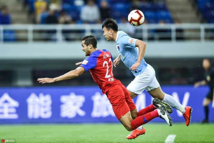 半场:费尔南多助尹聪耀冯劲破门,天海0-2重庆