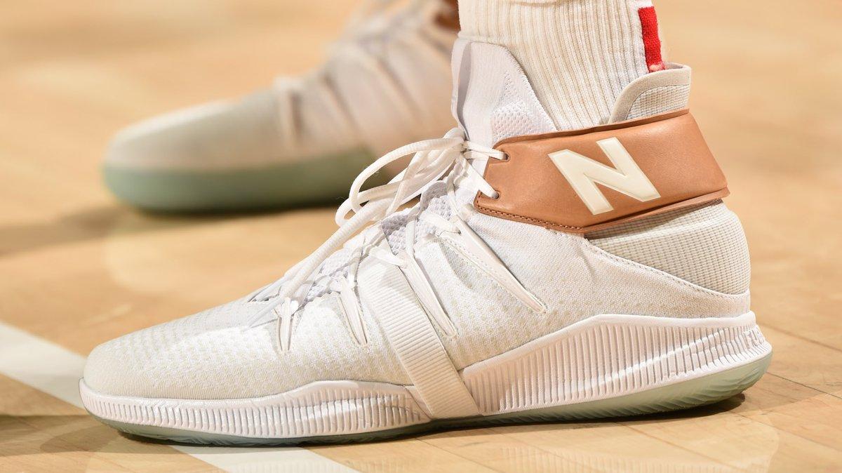 昔日季后赛上脚球鞋一览:伦纳德上脚新百伦OMN1S