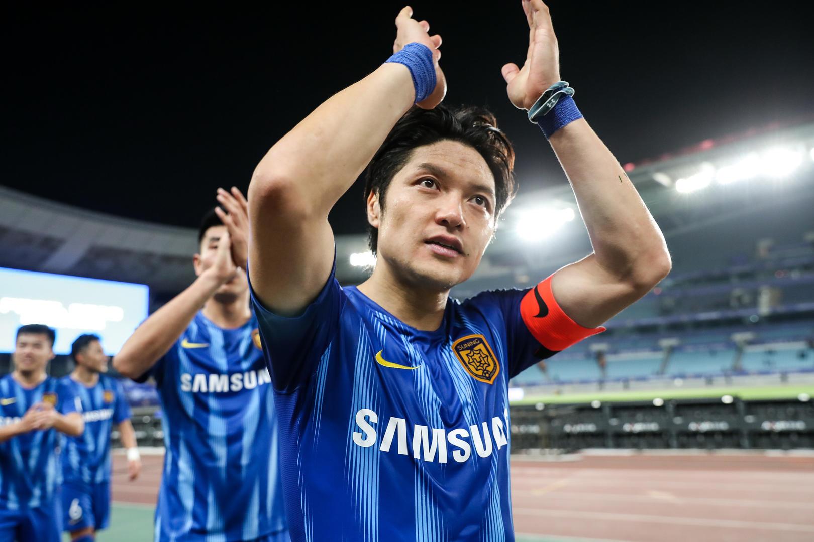 汪嵩:现在的国内球员很职业,希望成中超出场最多球员