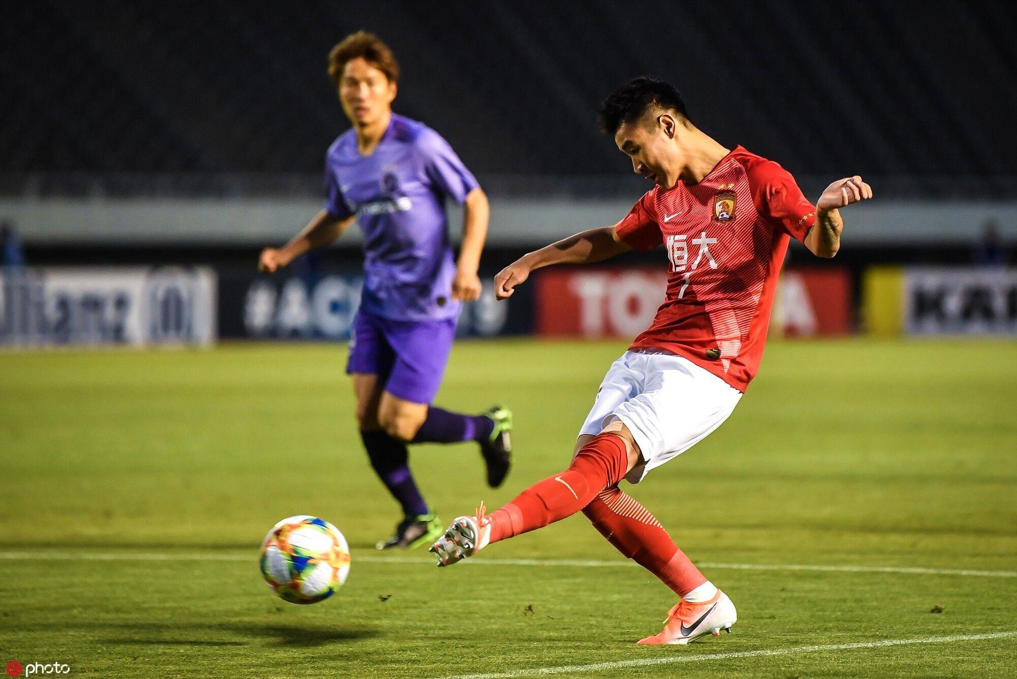 半场:李学鹏自摆乌龙,广岛1-0恒大