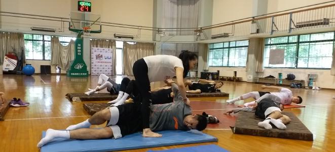 特别训练!上海男篮进行练习