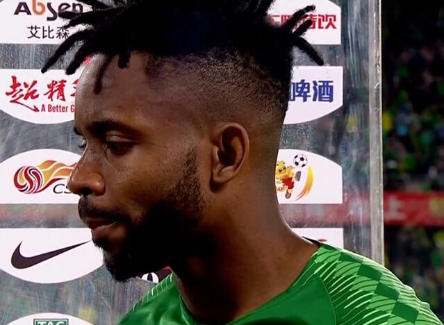 巴坎布:很喜欢和张玉宁搭档,希望能延续进球的状态