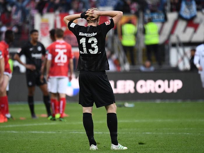 后卫:最后一轮对阵拜仁必须全力以赴