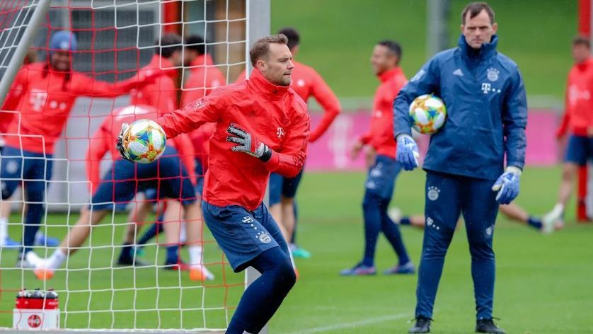 诺伊尔 J罗恢复合练, 戈雷茨卡进行个人训练
