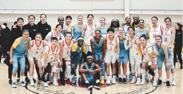 女篮赴美与 WNBA球队拉练结束, 三战皆败场均负 23分