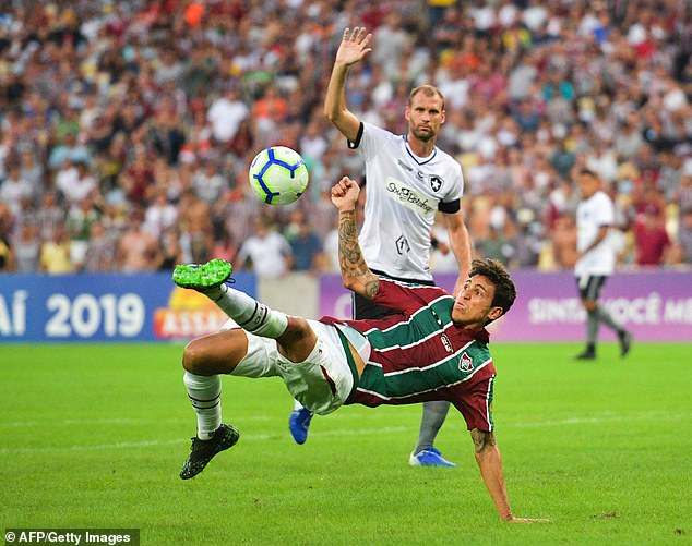 环球体育:曼联对弗鲁米嫩塞前锋佩德罗展开追逐