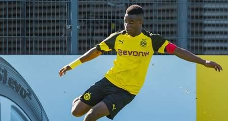 再度帽子戏法,穆科科赛季46球打破德国U17进球纪录