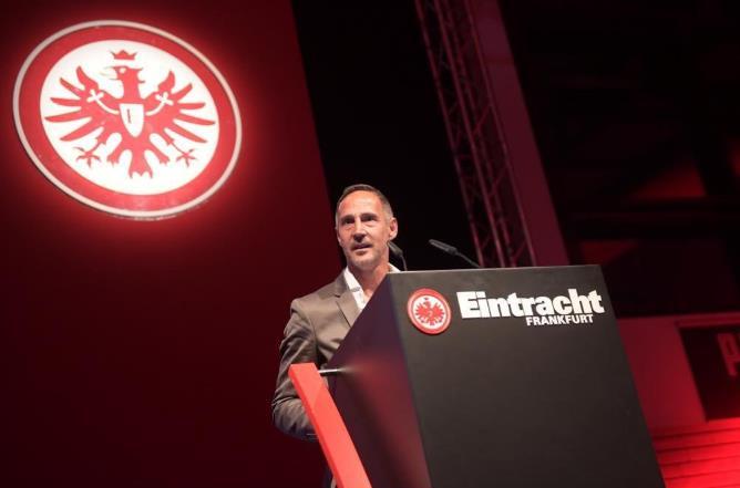德甲球员工会评选年度最佳:许特尔当选最佳教练