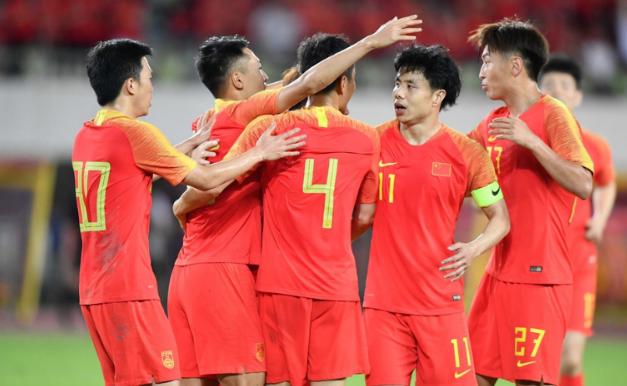 热身赛:吴曦张稀哲建功李可出战吉翔伤退,国足2-0菲律宾