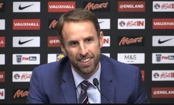 英格兰球迷嘘范戴克?索斯盖特:总比嘘本身球员益
