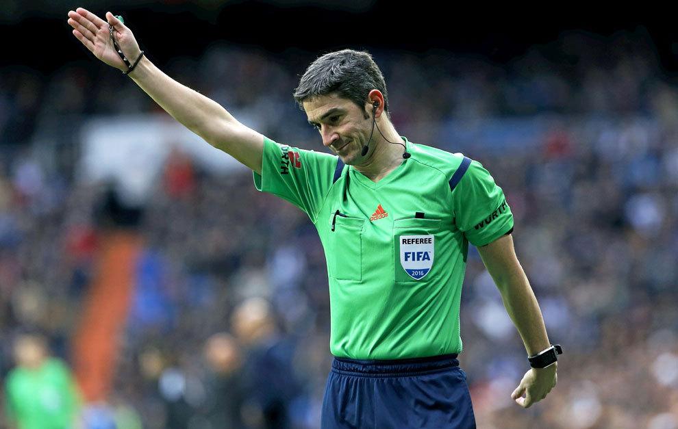 西班牙名哨:生涯最难忘的一场比赛是南非世界杯揭幕战