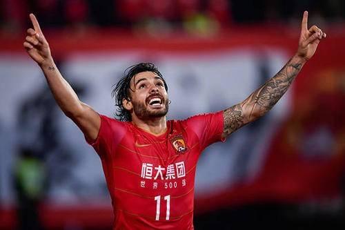 克鲁塞罗总监:中国归化高拉特是多赢,盼他进世界杯