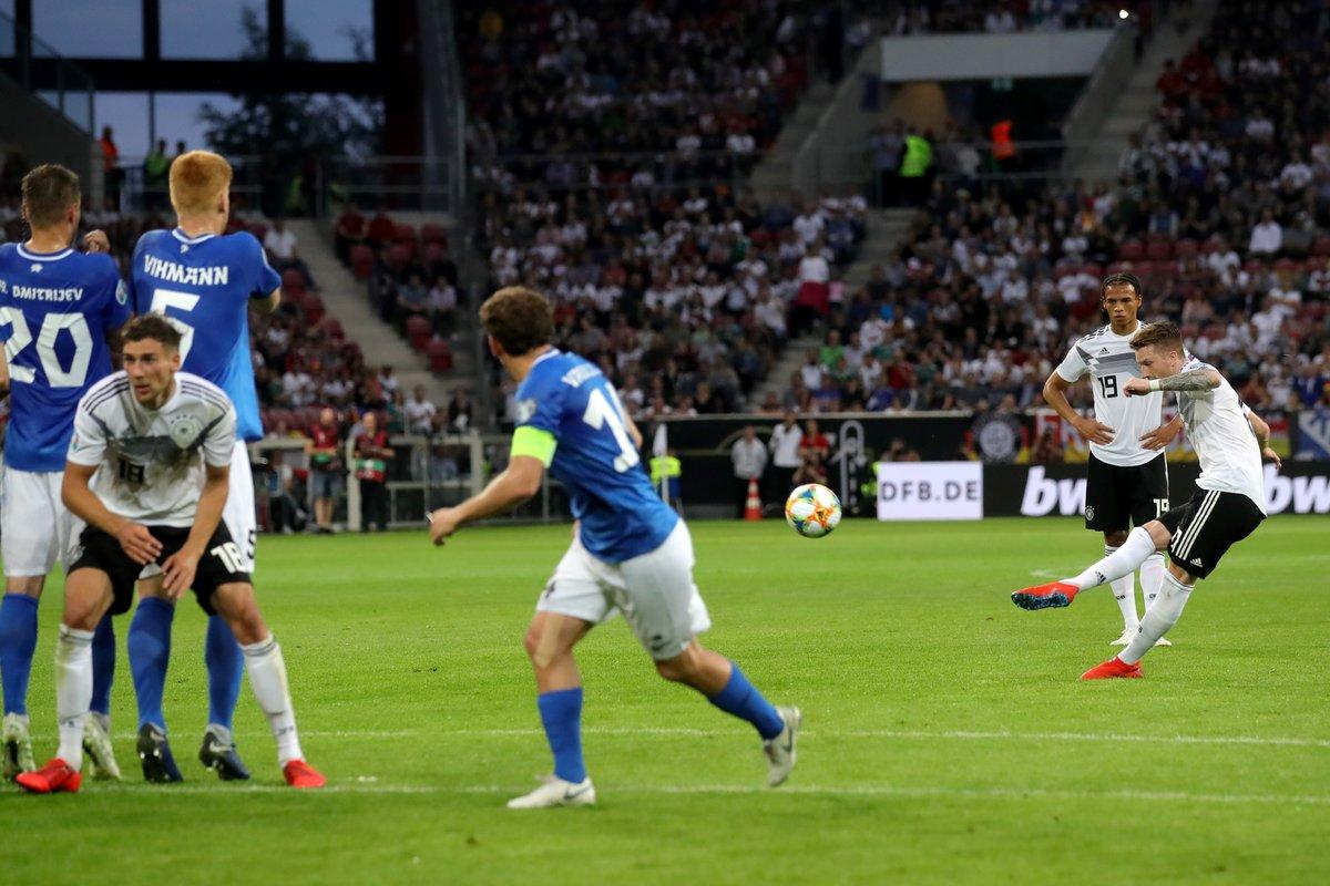 GIF:罗伊斯肆意球直接破门梅开二度,德国五球领先