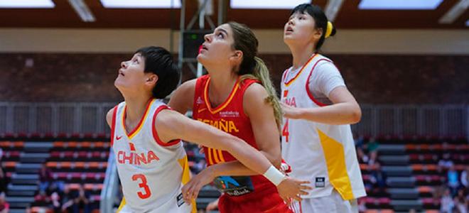 失误高达32次,中国女篮大澳门十大博彩娱乐平台不敌西班牙
