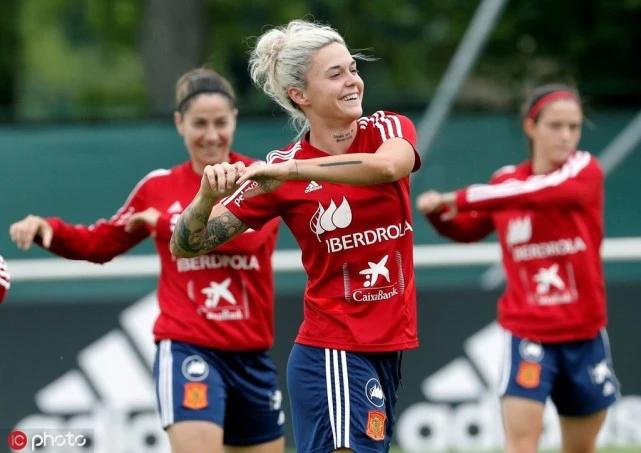 西班牙女足球员:王霜非常优秀,中国女足实力强大