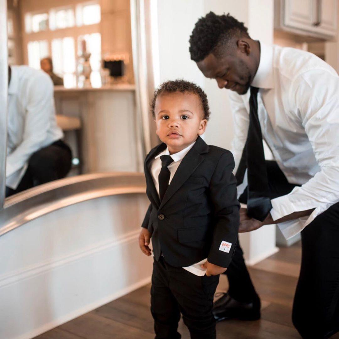 晒父子合照:做你父亲的每一天都是特别的