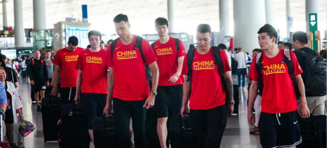 中国男篮启程前往青岛,将迎今夏首场热身赛