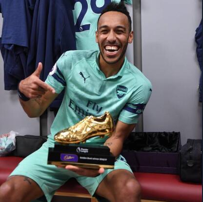 奥巴梅扬:拿金靴对非洲大陆有利,非洲人民真热爱足球
