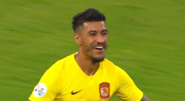 GIF:王大雷失误,保利尼奥推空门,鲁能0-1恒大