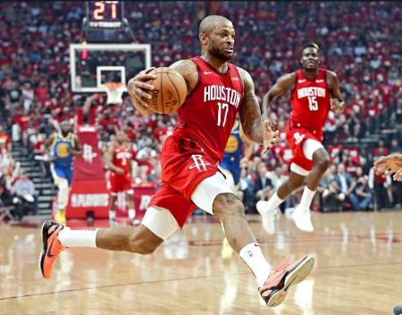 PJ-塔克获得2018-19赛季NBA球鞋之王奖
