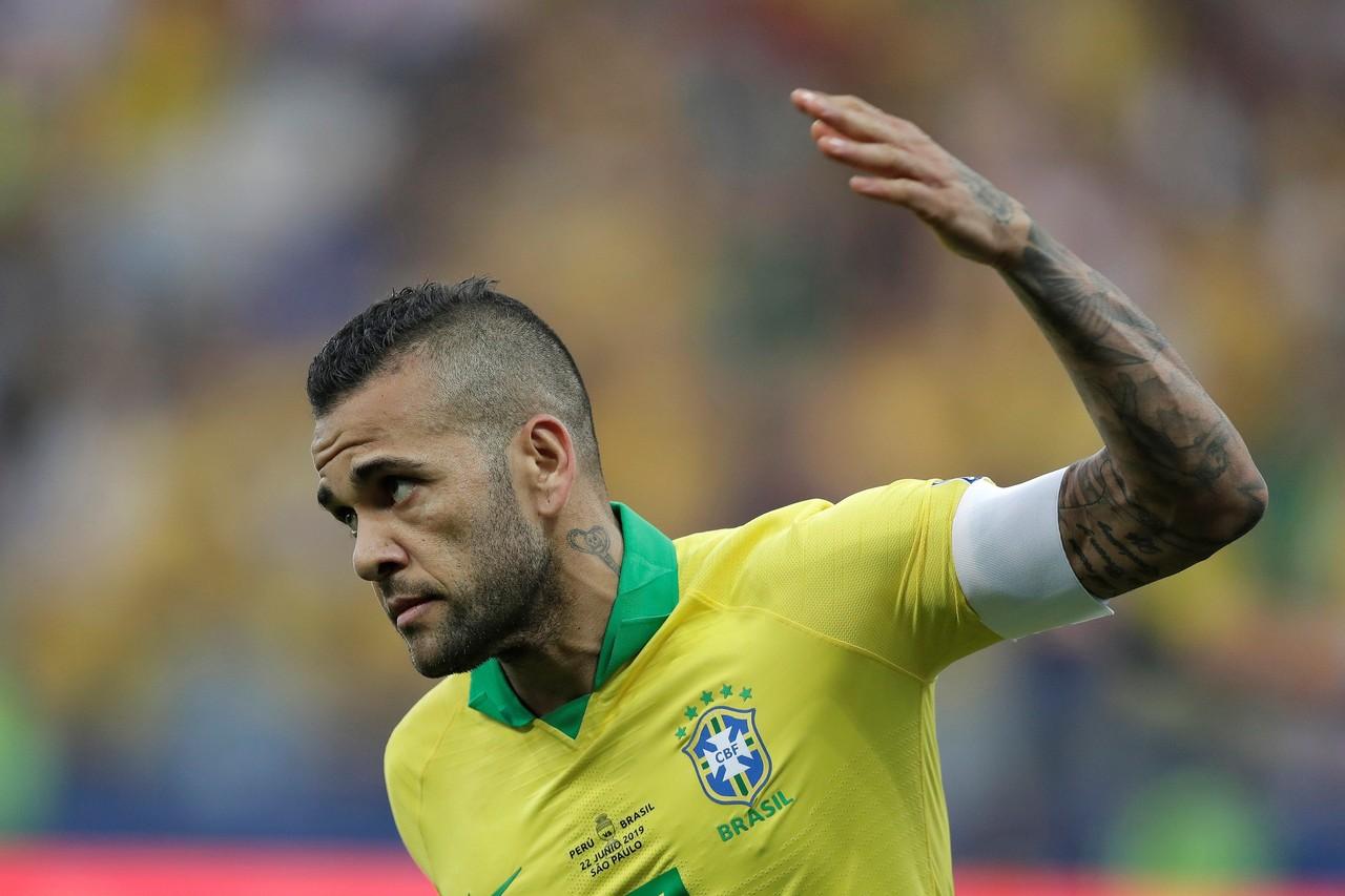巴媒:阿尔维斯将会继续留在欧洲,暂不考虑巴西及中国