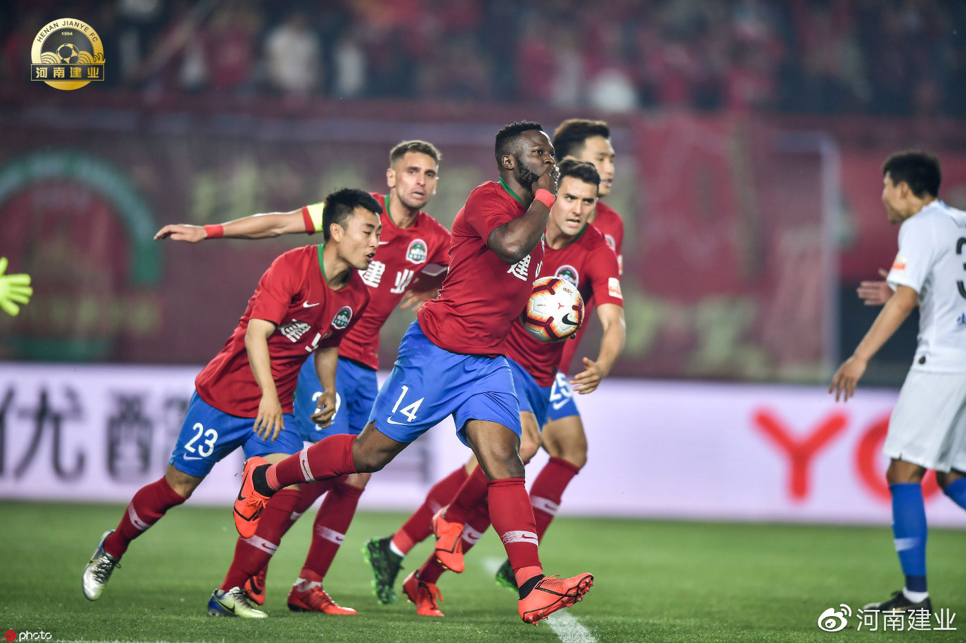 官方:建业与奥汗德扎续约,球员下半赛季继续为球队征战