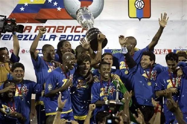 07经典回顾:巴普蒂斯塔阿尔维斯破门,巴西3-0阿根廷夺冠