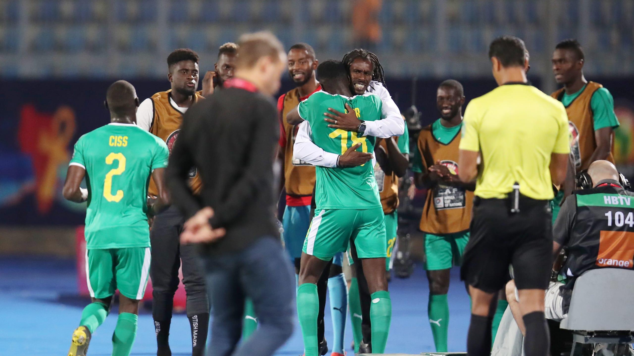 塞内加尔主帅:马内罚点球是他自己的决定,队友信任他