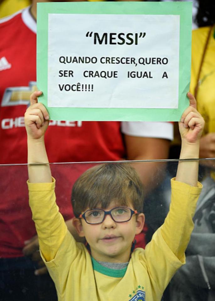 场边巴西小球迷:梅西,长大后我想成为像你一样的明星