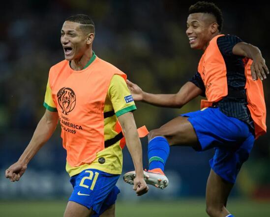 理查利森:就让阿根廷抱怨一辈子吧,进决赛的是巴西