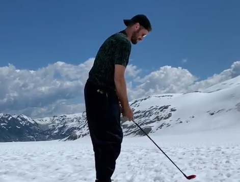 人人都爱高尔夫!乐福更新社媒晒出打高尔夫视频