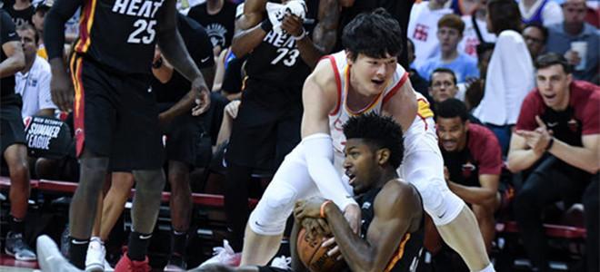 半场战罢,中国男篮三分命中率仅为8%