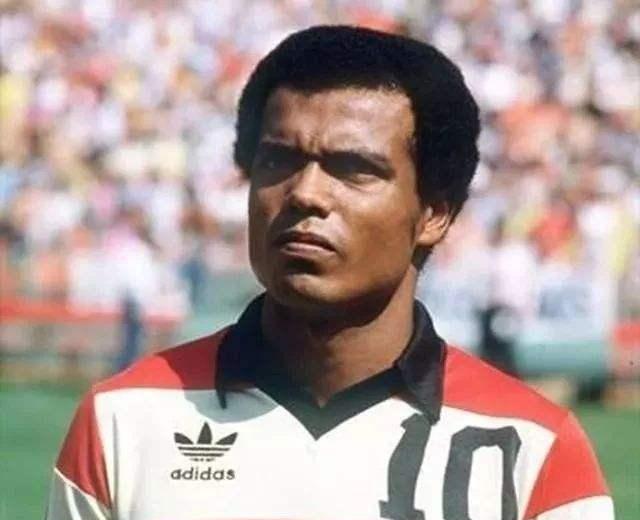 秘鲁名宿:这支国家队的踢球风格跟巴萨很相似