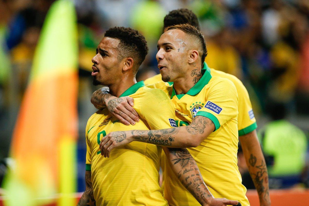 GIF:热苏斯传中埃韦顿抢点破门,巴西取得领先