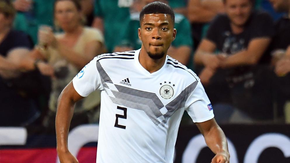 德媒:拜仁仍未就亨里希斯转会与摩纳哥接触