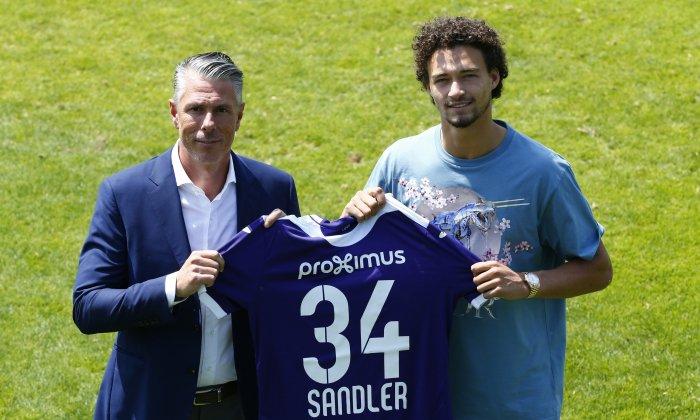 官方:小将桑德勒租借至安德莱赫特一个赛季